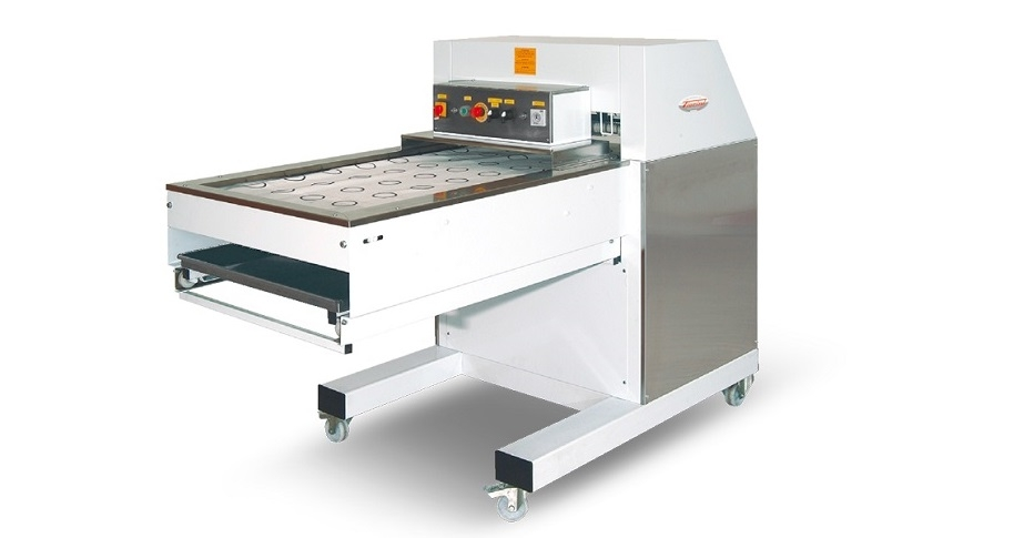 Automatic moulding machine